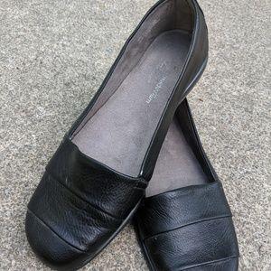 Aerosoles Stitch & Turn Black Slip On Shoes Size 8